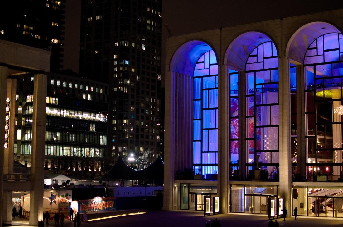 metropolitan opera house night
