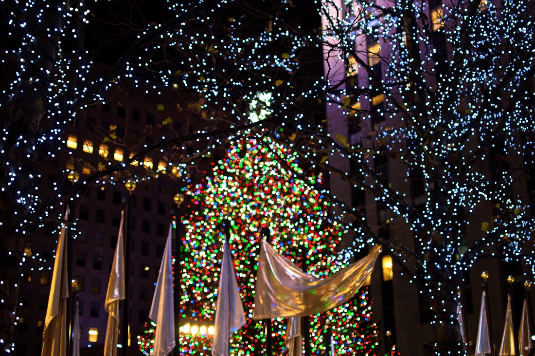 Christmas Eve at Rockefeller Center - Christmas in NYC - The Dreamy ...
