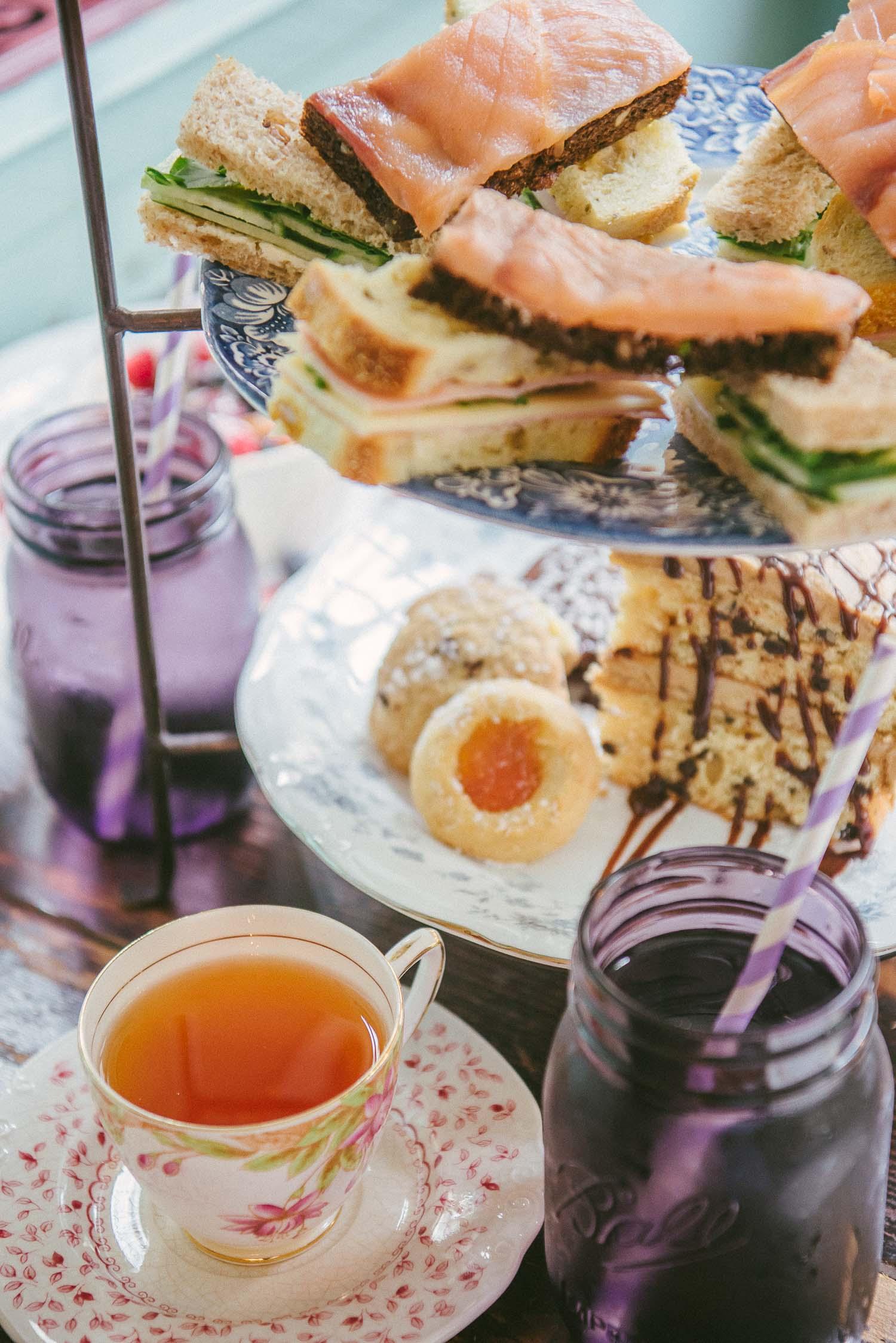 alice tea cup 21
