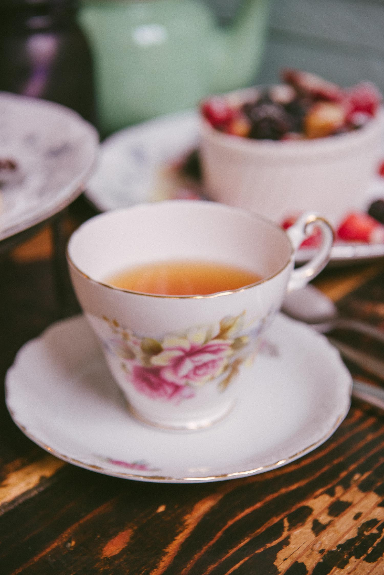 alice tea cup 24